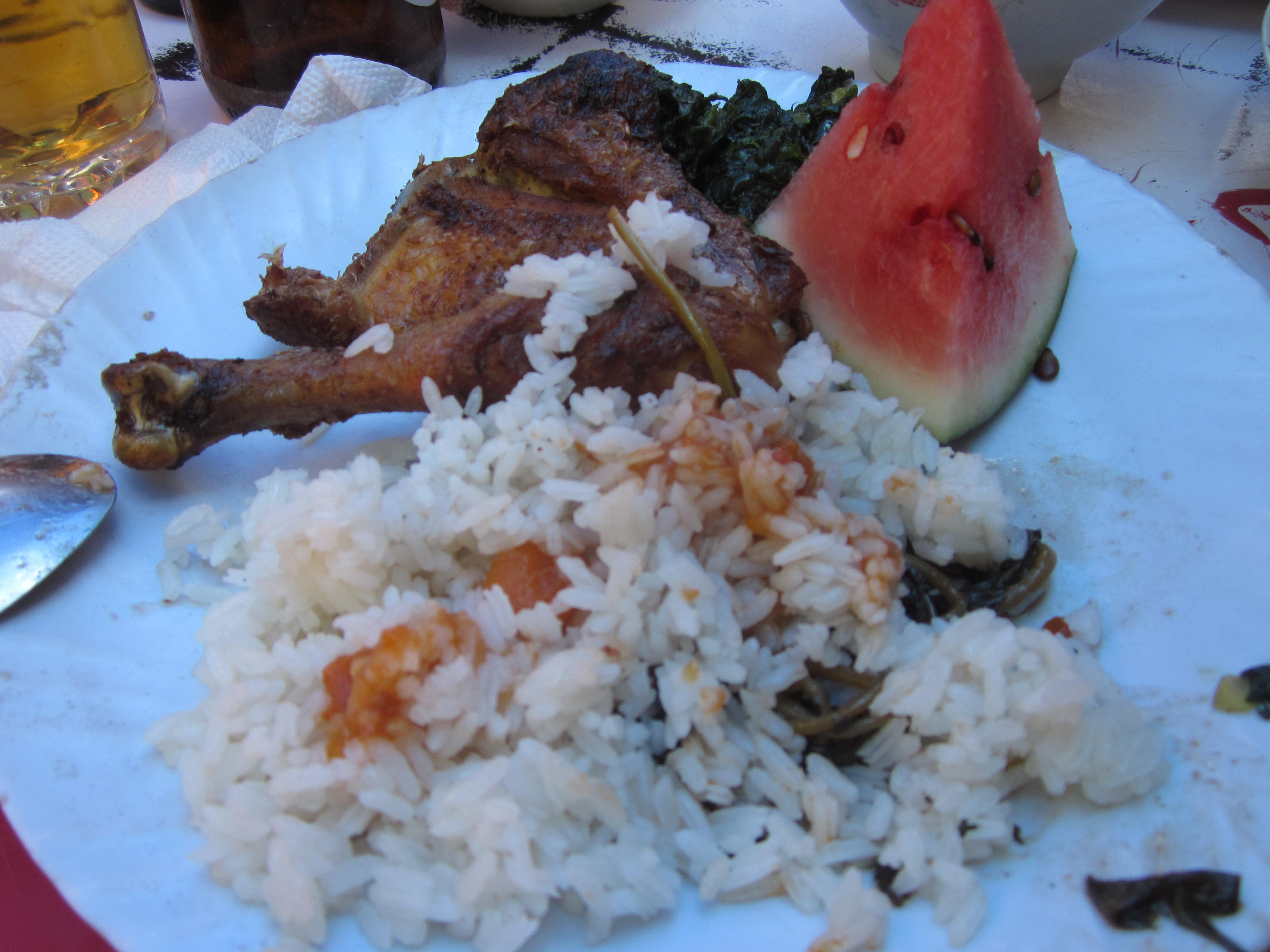 Nnyo E Monate Rice and chicken 002, moshi